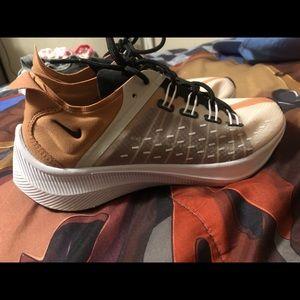 Nike Exp- x14